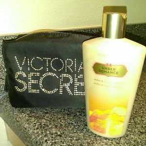 Victoria's Secret Amber Romance body lotion